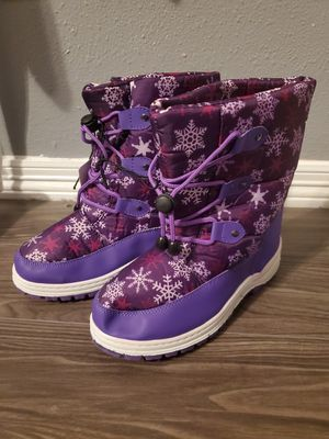Kids Youth snow/winter boots || size 2 for Sale in Spring, TX