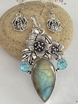 Fire labradorite and blue topaz 925 sterling silver overlay handcrafted pendant and earring set for Sale in Camarillo,  CA