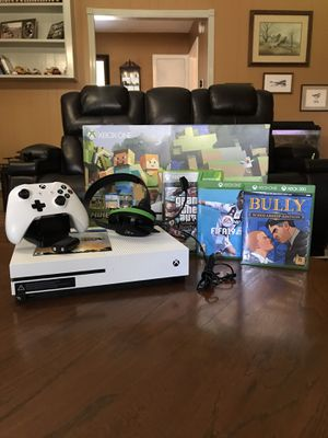 XBOX ONE S MINECRAFT for Sale in Pearland, TX