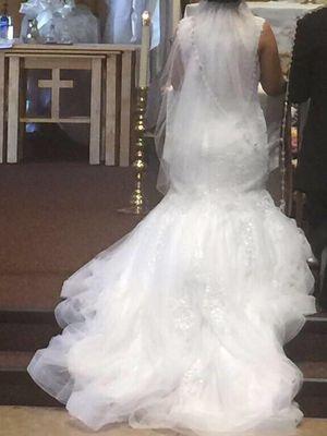 Wedding dress size 10 for Sale in Rialto, CA