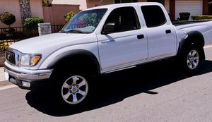 Clean 2003 Toyota Tacoma Double Cab SR5 --> Low miles !!! for Sale in Modesto, CA