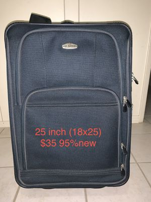 Ricardo luggage size 25 inch (18 x 25). 90 % new. Nothing wrong. Very clean. 35 for Sale in Anaheim, CA
