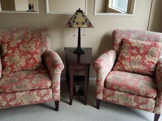 Crate and Barrel Living Room Chairs And Ottoman for Sale in Kirkland,  WA