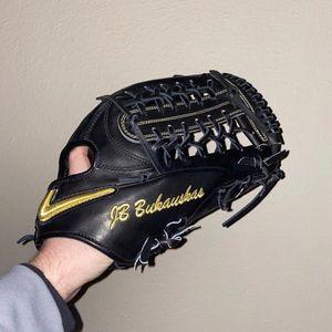 Nike Baseball Glove Nike Shado Elite J Glove New for Sale in Universal City, CA
