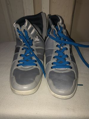 Men's Aldo Sneaker / Boot Silver sz. 9 for Sale in Los Angeles, CA