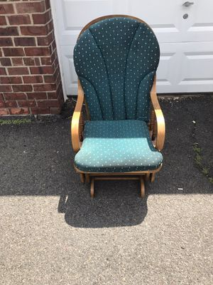 Glider rocking chair for Sale in Bloomfield, NJ