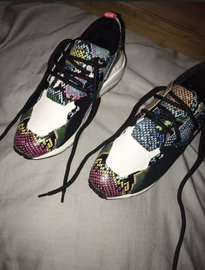 Steve Madden multi color snake skin for Sale in Woodlawn, MD