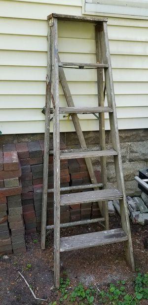 5 foot ladder for Sale in Royal Oak, MI