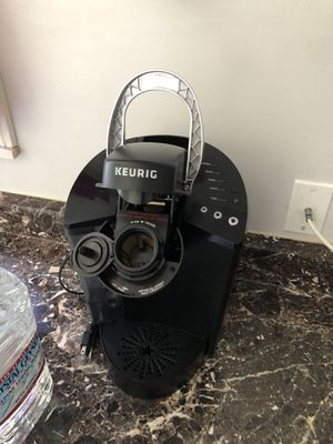 Keurig coffee maker K40 single cup for Sale in Los Angeles, CA