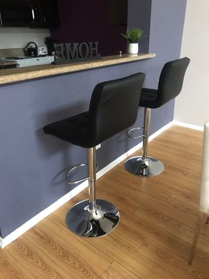 3 bar stools for Sale in Los Angeles, CA