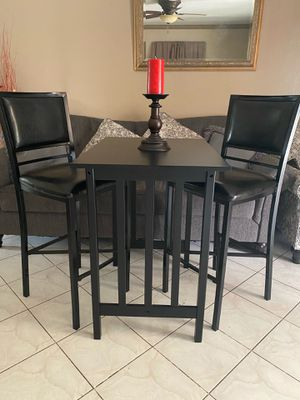 Set of faux leather bar stools with table for Sale in Garden Grove, CA