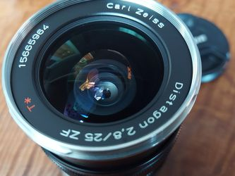 25mm f/2.8 Zeiss FX lens for Sale in Palos Hills,  IL