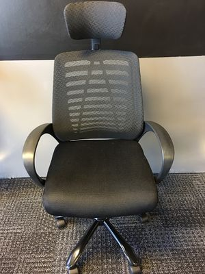 BRAND NEW BLACK ADJUSTABLE MESH OFFICE CHAIR WITH HEADREST for Sale in Lawrenceville, GA
