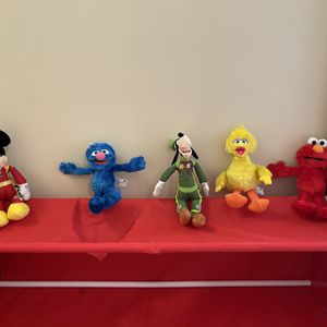 Disney & Sesame Street Plush Animal Set for Sale in Ellenwood, GA