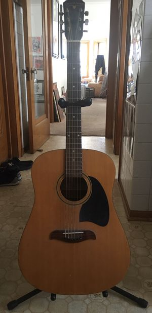 Oscar Schmidt acoustic guitar with stand for Sale in Stickney, IL