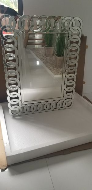 Modern mirror for Sale in Oakland Park, FL