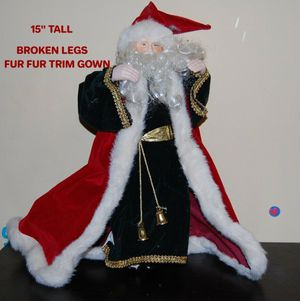 SANTA CLAUS FIGURE TALL WITH BROKEN LEGS for Sale in Chicago, IL