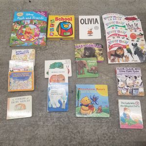 Set of 19 popular/classic toddler/kids board and activity books for Sale in Renton, WA