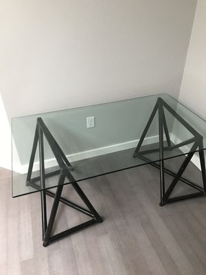 McGuiver Designer Glass dining room table for Sale in Washington, DC