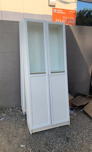 4 bookshelves units for free for Sale in Los Angeles, CA