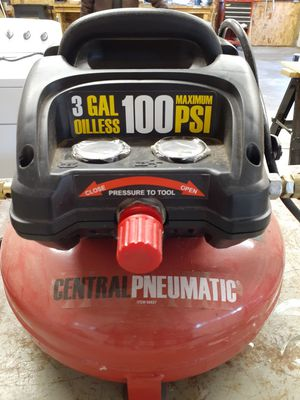 Central Pneumatic pancake air compressor. for Sale in Snohomish, WA