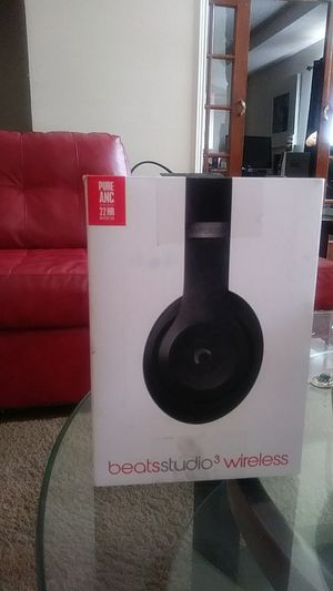 Studio Beats and Power beats 3 both together for Sale in Mesquite, TX