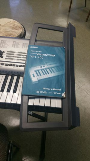 YAMAHA KEYBOARD WITH STAND for Sale in Colorado Springs, CO
