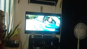 Rca 42 inch top quality tv real sharp for Sale in Modesto, CA