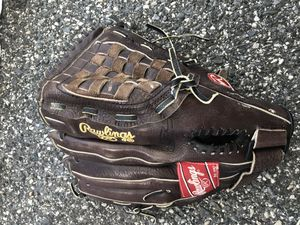 Rawlings Glove 13 Inch (Baseball) for Sale in Mount Rainier, MD