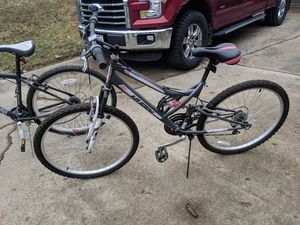 Girls huffy mountain bike for Sale in Mount Gilead, OH
