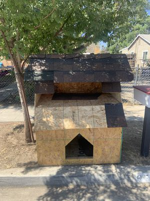 Dog House for Sale in Parlier, CA