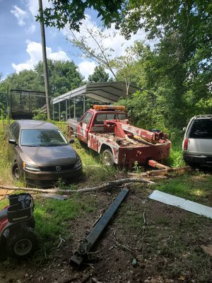 Chevy tow truck for Sale in Douglasville, GA