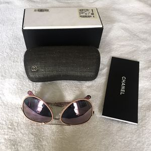 New CHANEL Aviator Polarized Sunglasses 4219 Q C 395/S9 5914 140 2P Gold/Pink for Sale in Stone Mountain, GA
