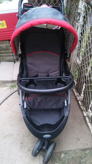 Baby jogging stroller for Sale in Columbus, OH