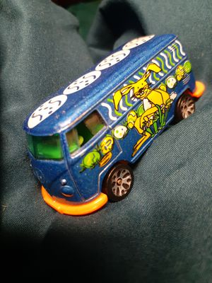 VOLKSWAGON BEACH EASTER RABBIT RETIRED BUS MATCHBOX for Sale in San Diego, CA