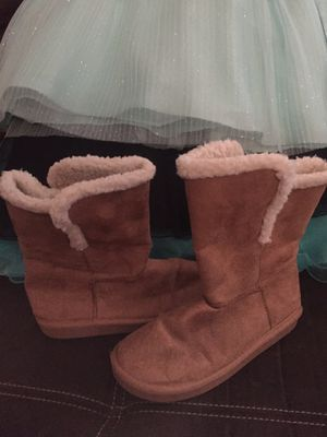 Girls size 2 winter boots from justice for Sale in Clarksville, TN
