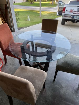 Kitchen table with 4 chairs for Sale in Clermont, FL