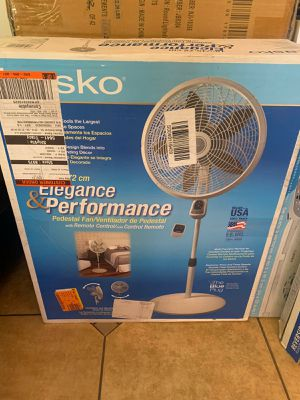 Elegance performance ventilator ventilador fan tower fan stand up control new lasko Xtra for Sale in Bell Gardens, CA