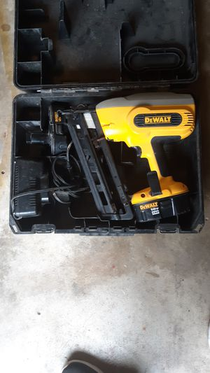 DeWalt 18-volt finisher for Sale in Houston, TX