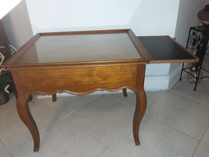 Antique table with hidden/tray for drinks or bottles. for Sale in Miami Springs, FL