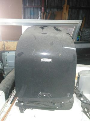 Automatic paper dispenser for Sale in Greenville, MS