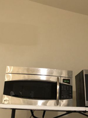 GE microwave oven for Sale in Hermiston, OR
