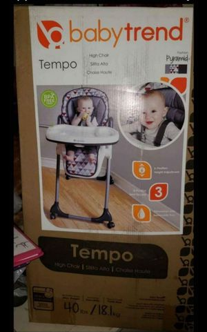Baby Trend Tempo Highchair for Sale in Los Angeles, CA