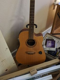 Very Nice Luna Brand Guitar, $700 New for Sale in Oakland,  CA