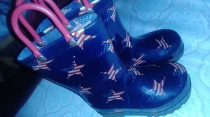 Size 6 light up star rain boots for Sale in Dallas, TX