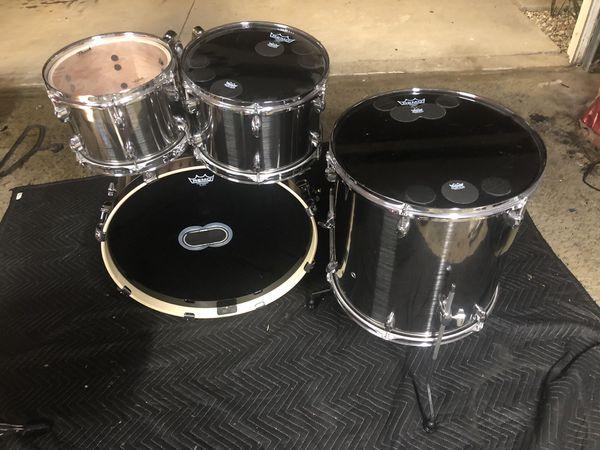 Beautiful Pearl Export 4pc Drum Set....