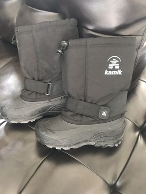 Kamik kids snow boots! Size 4 for Sale in Las Vegas, NV
