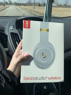 Beats Studio 3 Wireless for Sale in Huron Charter Township, MI