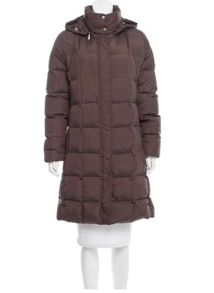 Burberry puffer coat size M for Sale in Freehold, NJ