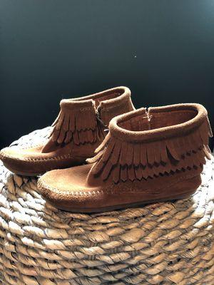 Minnetonka Size 12 girls boots for Sale in Aurora, IL